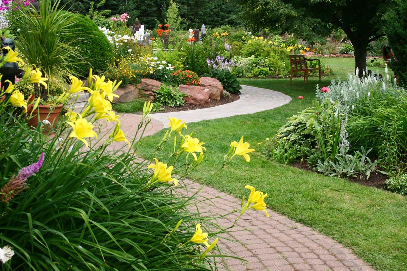 spring garden checklist — Longfield-Gardens
